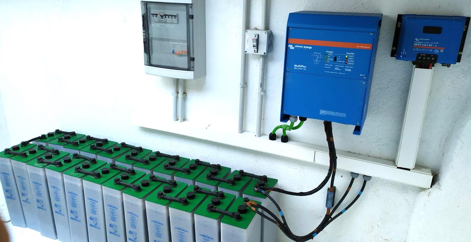 Instalador placas solares, autoconsumo aislada autosuficiente con baterías de plomo en Valladolid